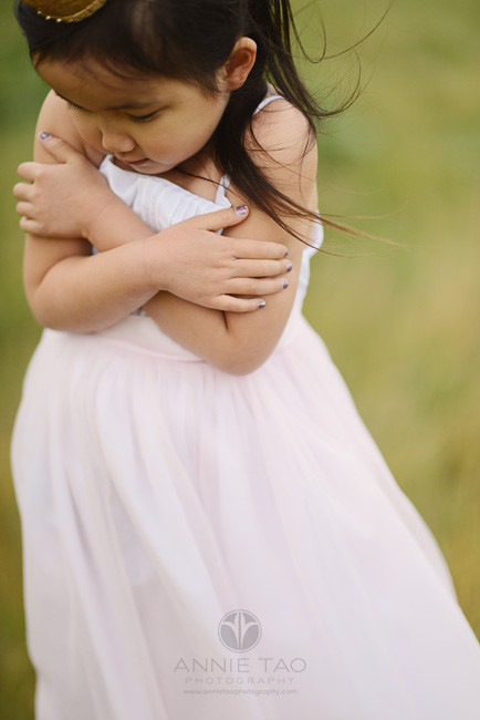 East-Bay-styled-children-photography-princess-with-gold-crown-shivering-in-cold