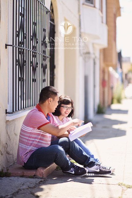 San-Francisco-commercial-photography-City-College-husband-and-wife-students-sitting-on-step