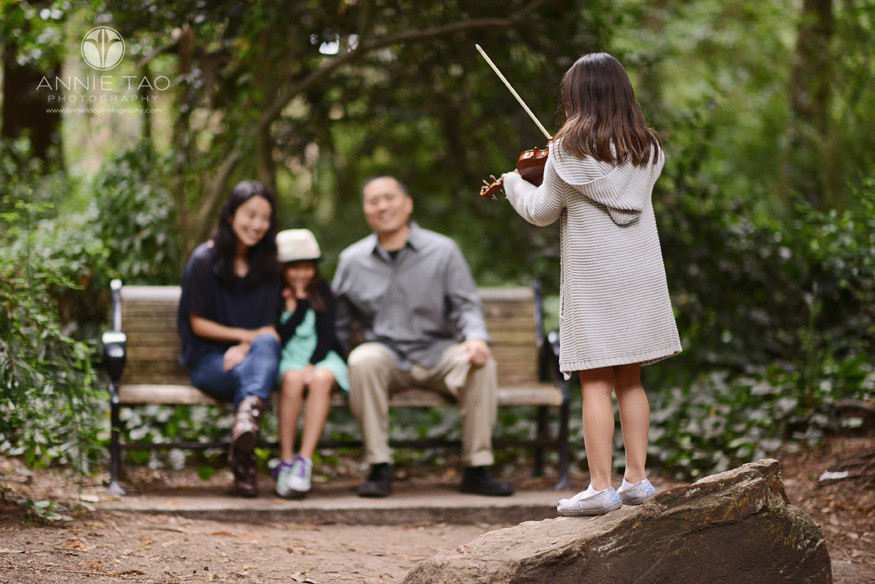 San-Francisco-lifestyle-family-photography-girl-playing-violin-on-rock-stage