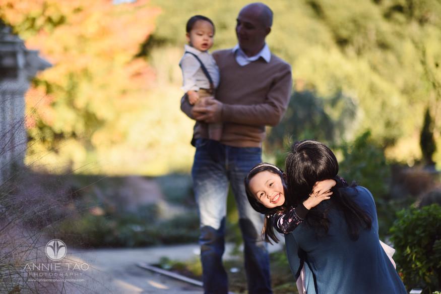 Bay-Area-lifestyle-children-photography-preschool-girl-hugging-mother-in-morning-light