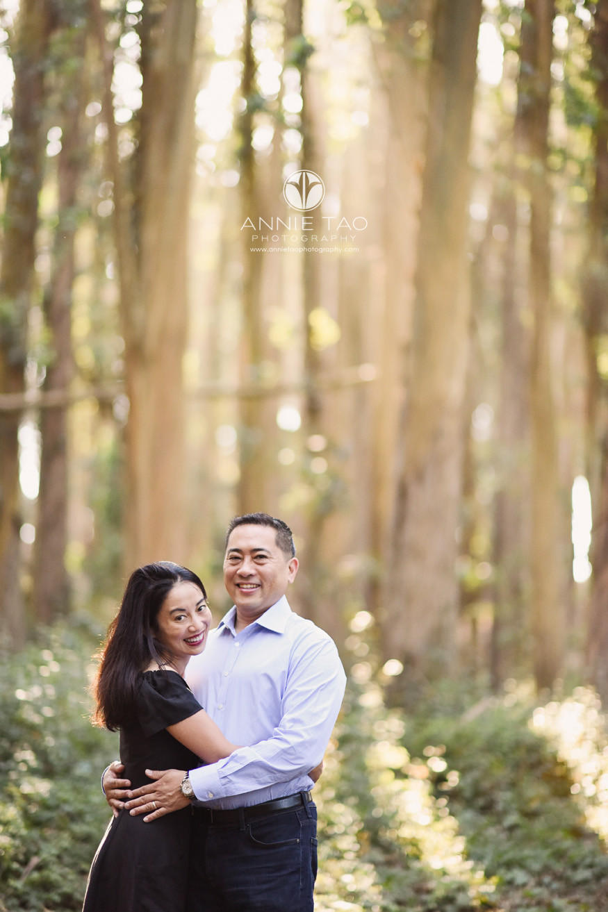 San-Francisco-lifestyle-photography-couple-in-embrace-from-woods-Lg