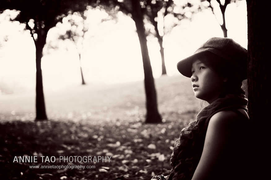 Preteen-model-styled-photography-at-tree-BxW