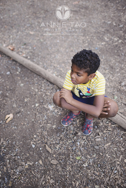 Bay-Area-Los-Altos-lifestyle-children-photography-young-boy-sitting-on-bark