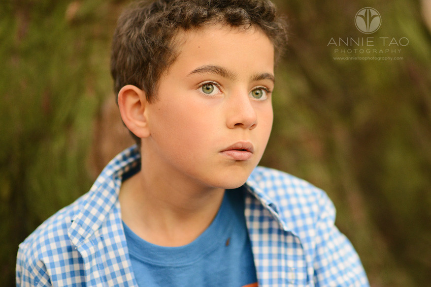 East-Bay-lifestyle-family-photography-boy-in-blue-closeup
