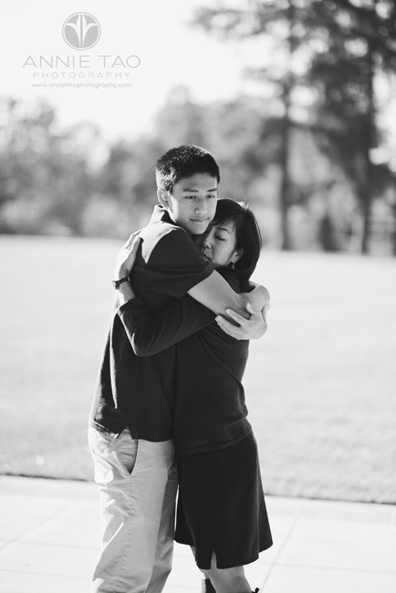South-Bay-lifestyle-family-photography-senior-boy-hugging-his-mother-BxW