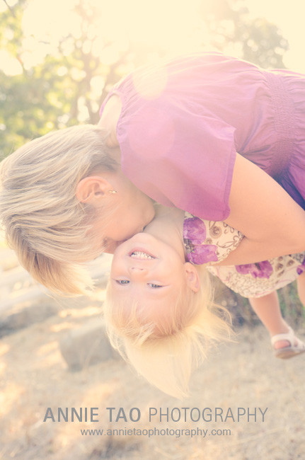 East-Bay-Family-Photography-mommy-kissing-toddlers-neck