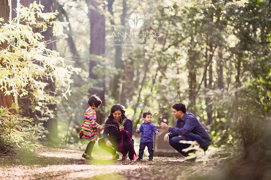 east-bay-lifestyle-family-photography-family-together-in-woods