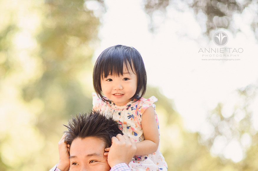 Bay-Area-lifestyle-children-photography-preschool-girl-riding-on-dads-shoulders