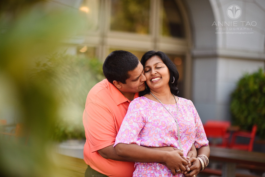 San-Francisco-lifestyle-couple-photography-man-kissing-his-wife-eyes-closed