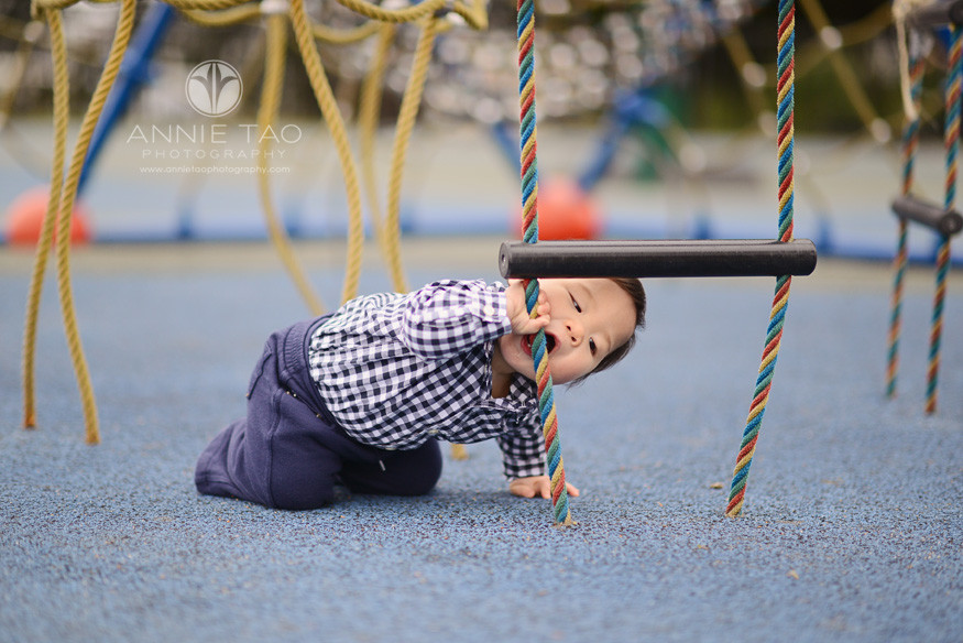 San-Francisco-lifestyle-baby-photography-baby-boy-crawled-to-eat-the-play-structure