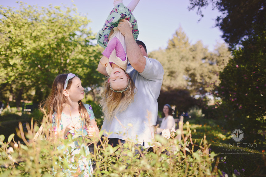 Bay-Area-lifestyle-family-photography-family-playing-in-the-garden