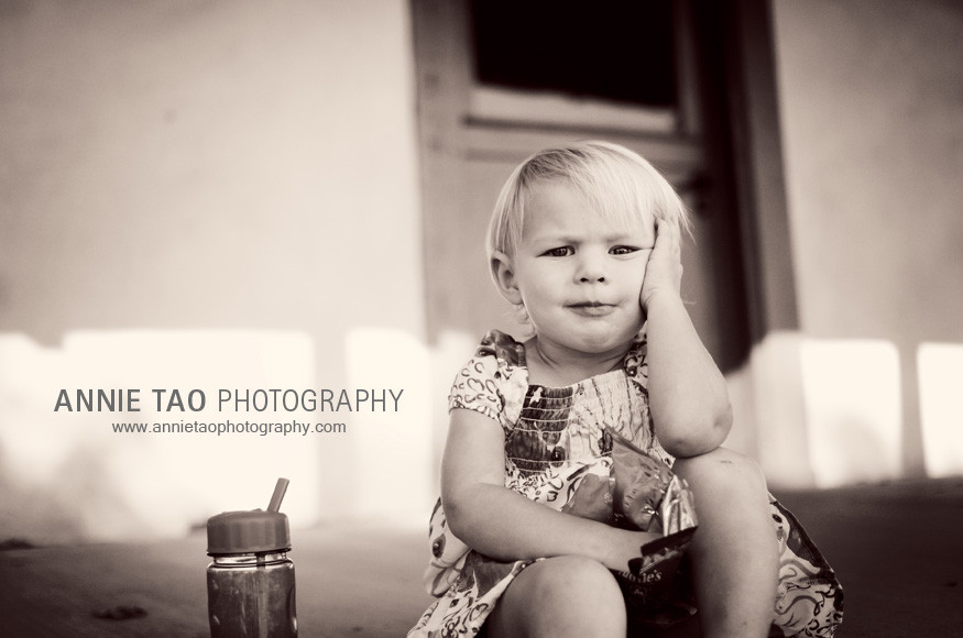 East-Bay-Family-Photography-toddler-eating-a-snack