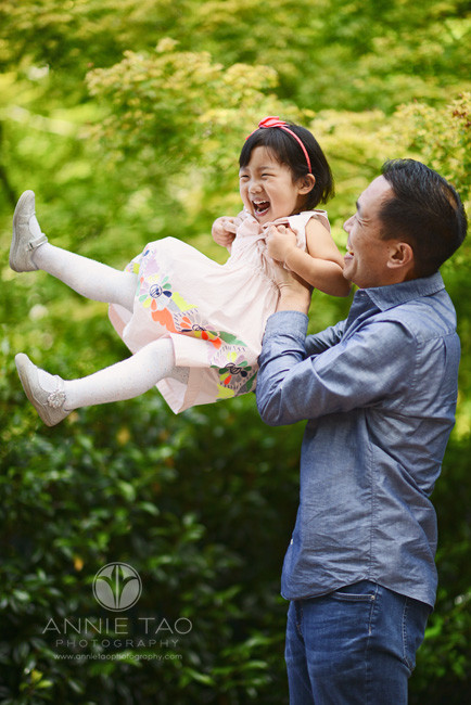 Bay-Area-lifestyle-children-photography-father-lifting-daughter-in-air-1