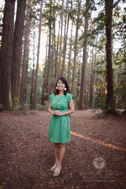 East-Bay-styled-photography-woman-holding-grass-in-redwood-forest