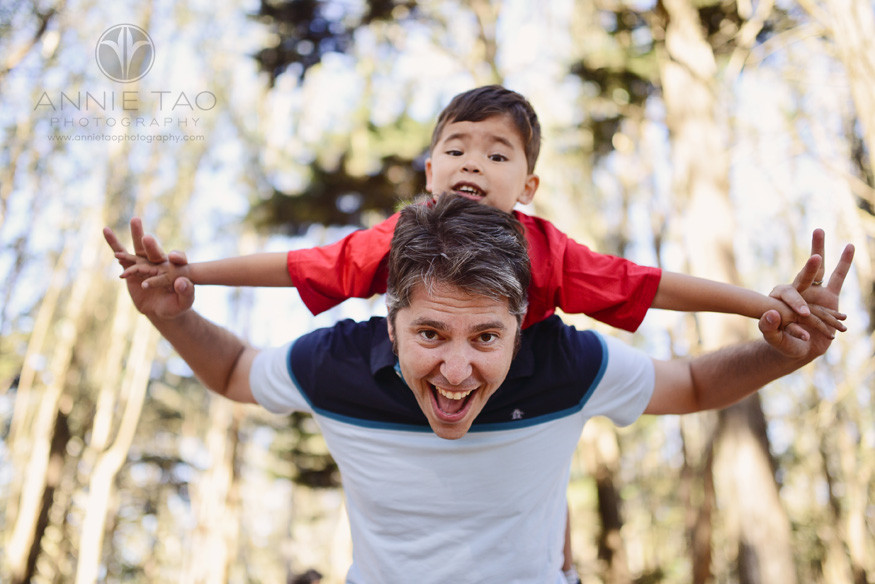 San-Francisco-Bay-Area-lifestyle-family-photography-father-playing-airplane-with-son-in-the-woods