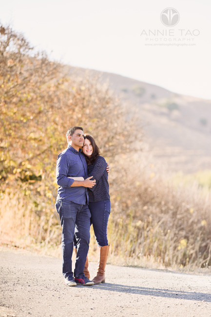 East-Bay-lifestyle-couple-photography-hugging-by-golden-hills
