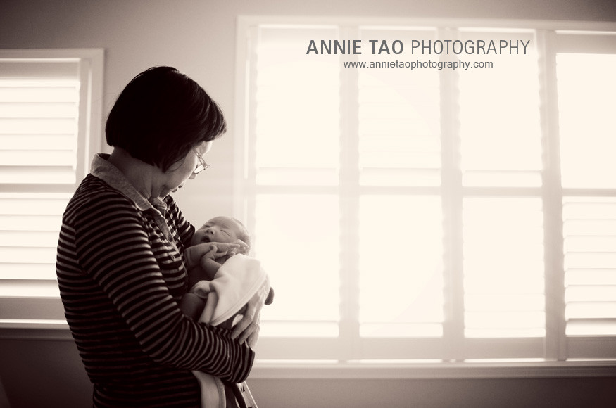 San-Francisco-Bay-Area-Newborn-Photography-grandma-holding-baby-by-windows