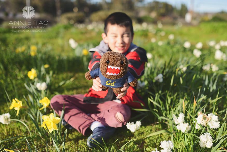 San-Francisco-Bay-Area-children-photography-boy-holding-domo