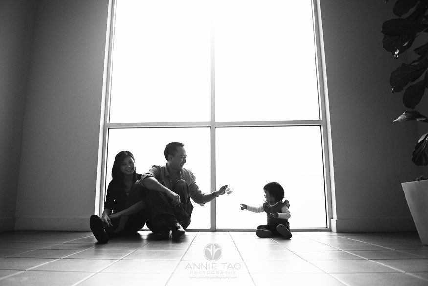 Annie-Tao-Photography-tip-low-light-photography-elevator-BxW