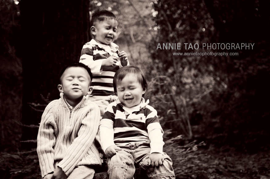 East-Bay-lifestyle-family-photography-three-boys-with-their-eyes-closed