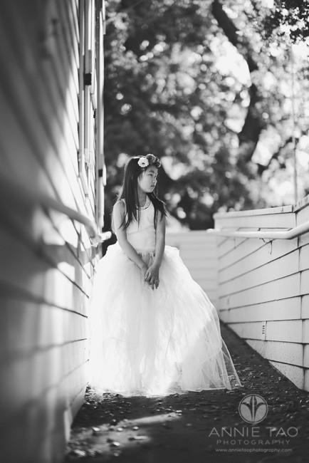 East-Bay-styled-children-photography-young-girl-on-walkway-BxW