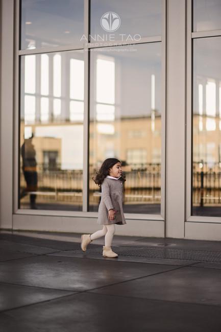 san-francisco-lifestyle-children-photography-preschooler-girl-running-outside-glass-building