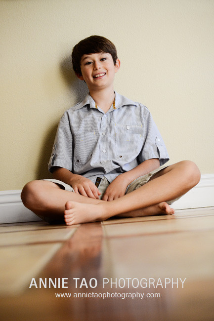 San-Francisco-Bay-Area-lifestyle-family-photography-boy-sitting-crisscross-on-floor2