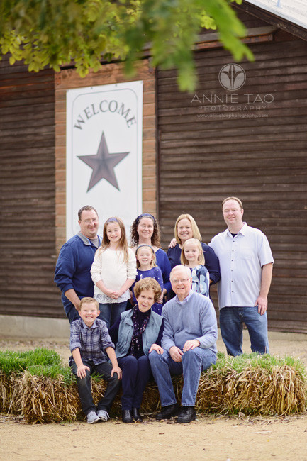 east-bay-lifestyle-family-photography-extended-family-portrait-at-farm-on-haybales