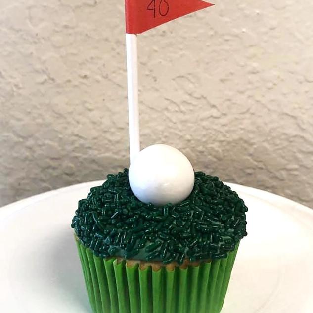 Golf%20cupcakes_edited.jpg