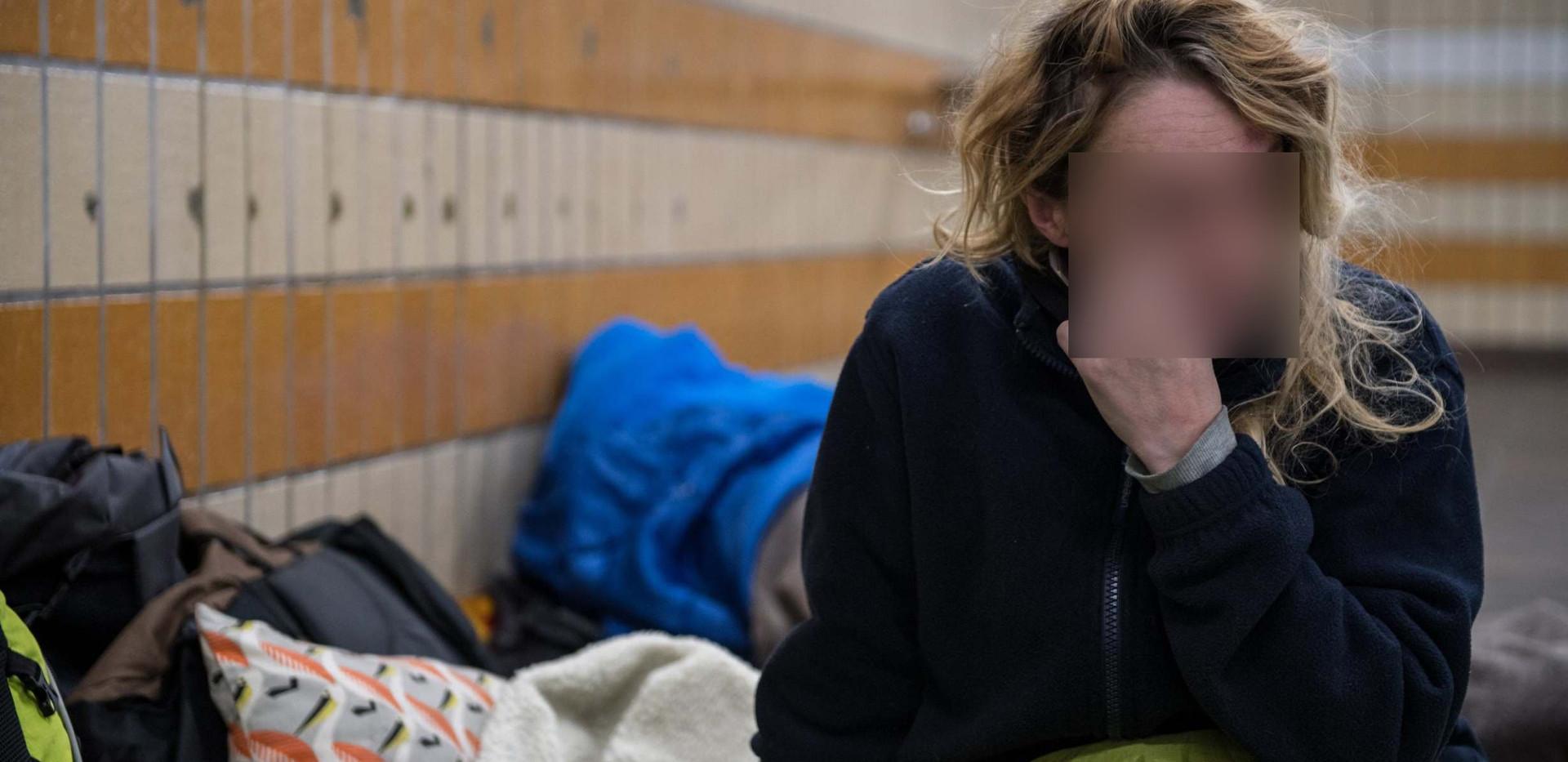 homeless woman3 blur face only.jpg