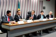 Brasil poderá ter 1,2 milhão de consumidores geradores de energia em 2024.