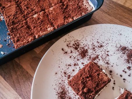UNBAKED CAKE WITH GREEK YOGHURT