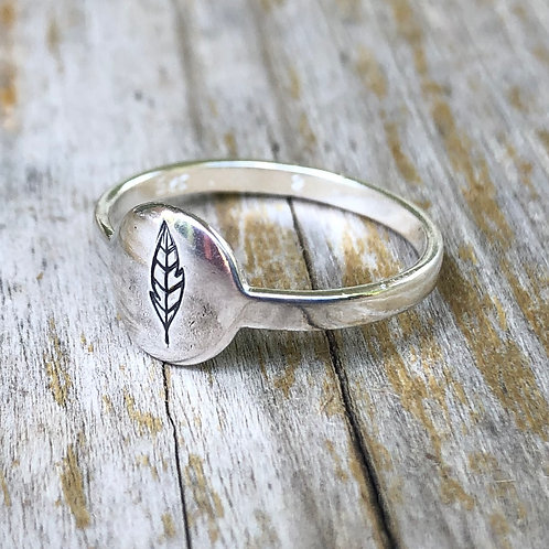 Feather circle ring