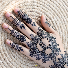 mehndi-training-center-aw62QdtIkb4-unspl