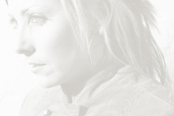 Leanne Paris promo