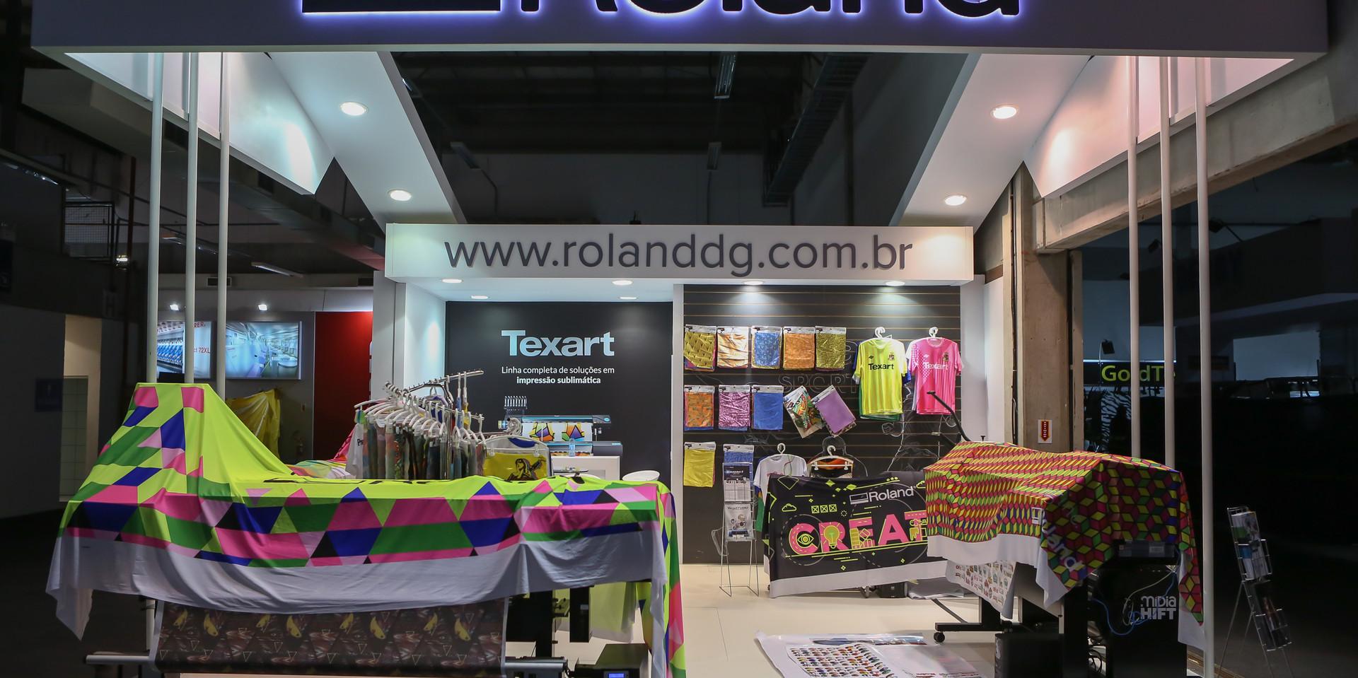 Roland (3).jpg