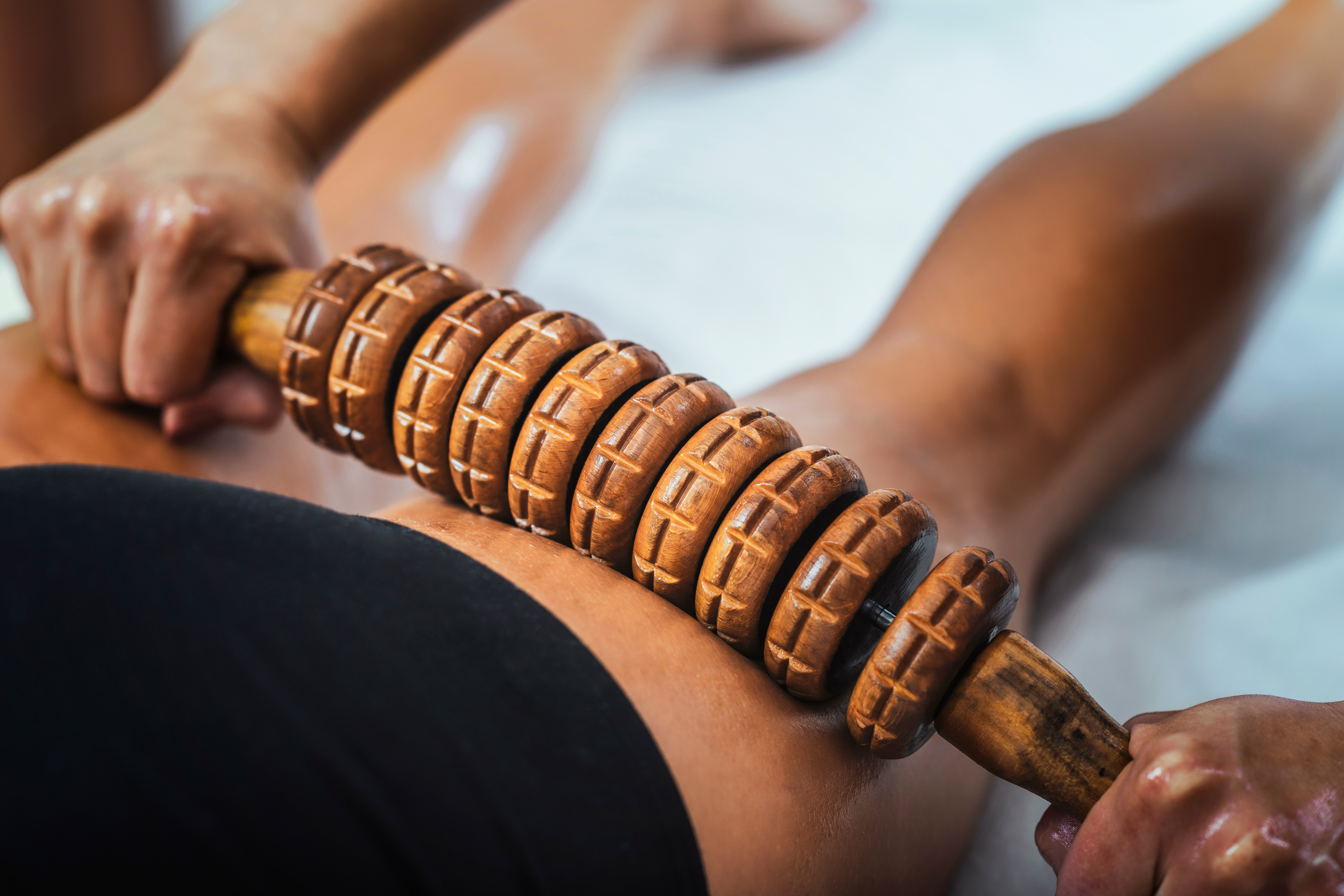 Madero therapy back thigh muscle massage