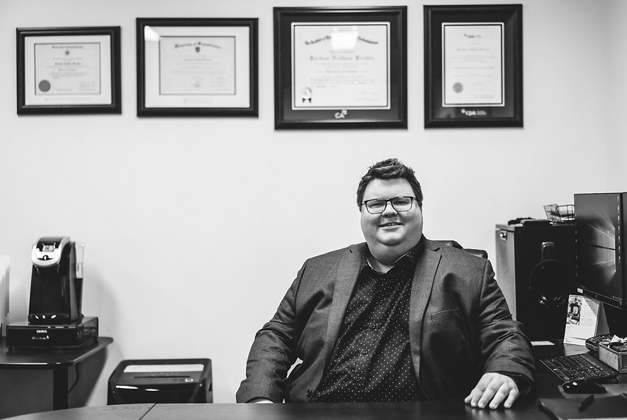 Lift Accounting Office Photo BW.jpg
