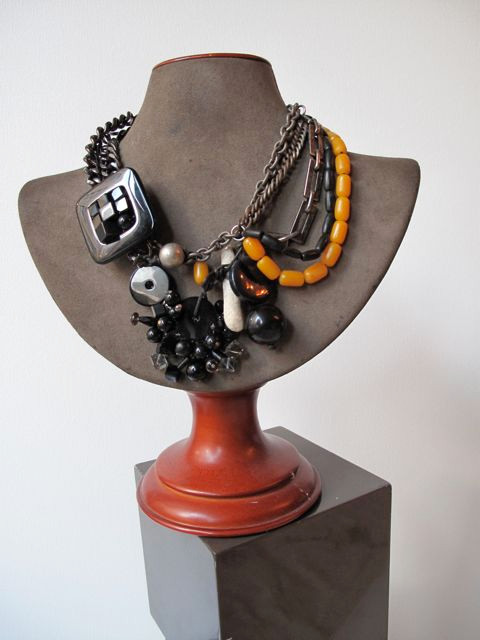 Obsidian Wreath Necklace