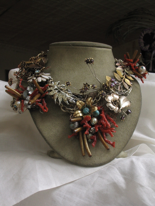 Floral Wreath Collar