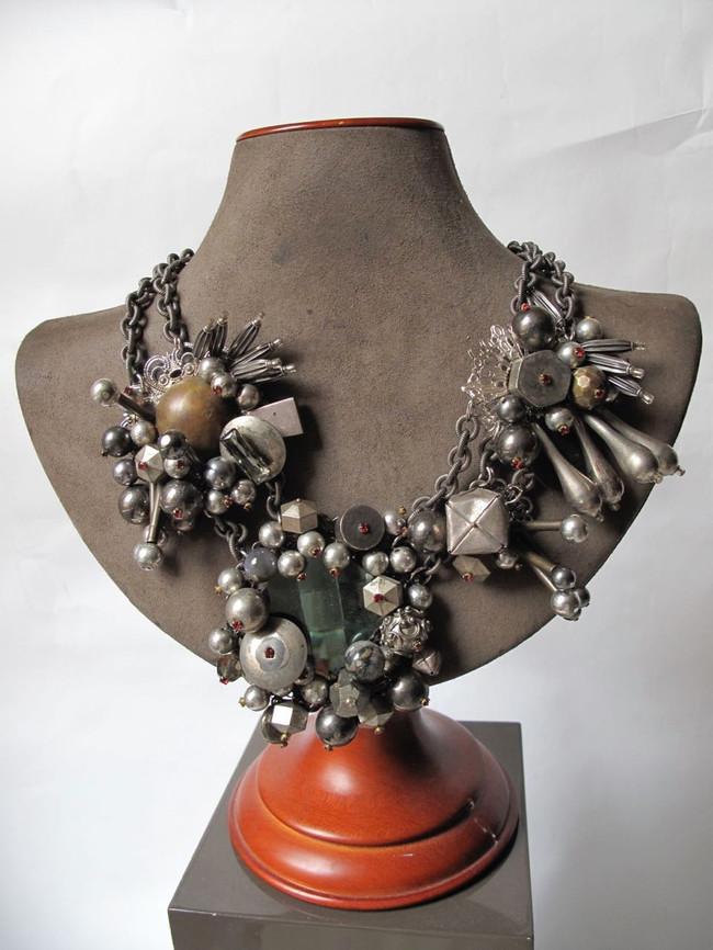 Steel Wreath Necklace