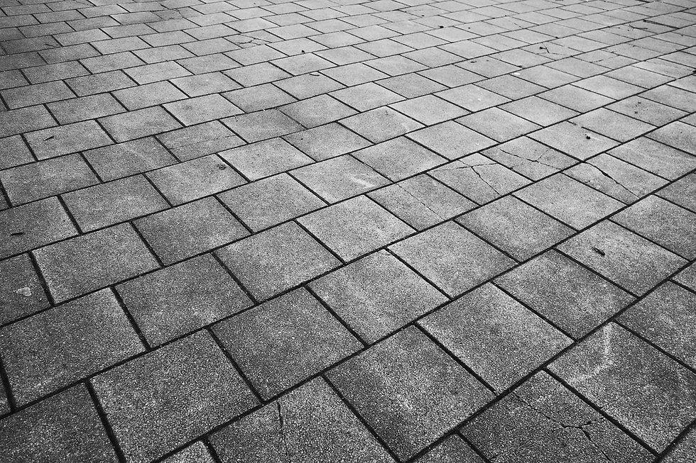 pavement-3147099_1920.jpg