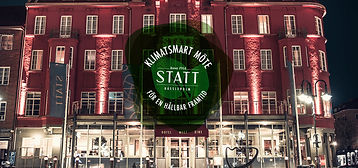 Hotel-Statt-Fasadbild-med-l.jpg
