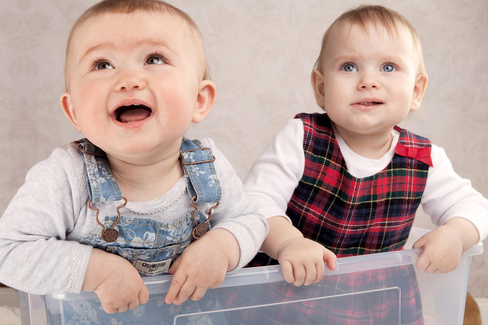 Babys Romy und Marie .zwei