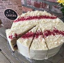 White Chocolate and Berry Cake