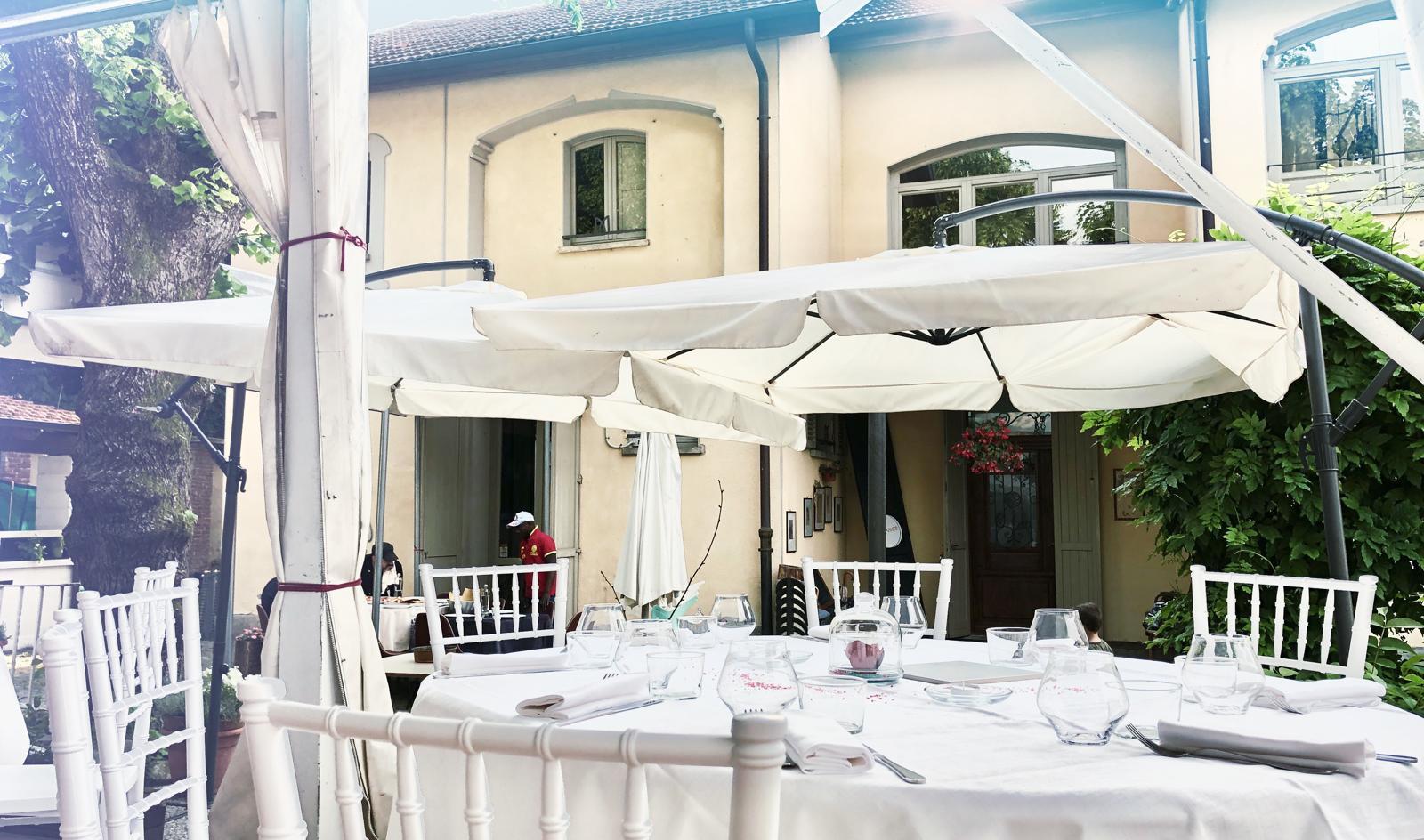 dehors_ristorante_come_in_famiglia_rivol