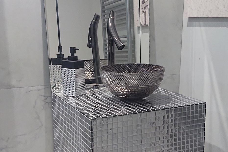 Diamond cut crystal hand soap / lotion dispenser