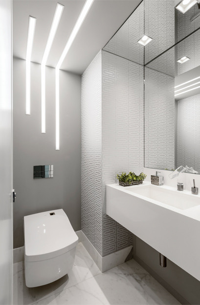 Brazilian architect Simone Mattoso Antuneson demonstrating the dramatic impact lighting can have