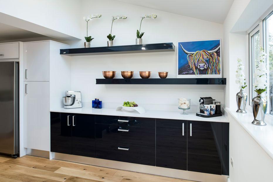 Midnight blue crown kitchen cabinets