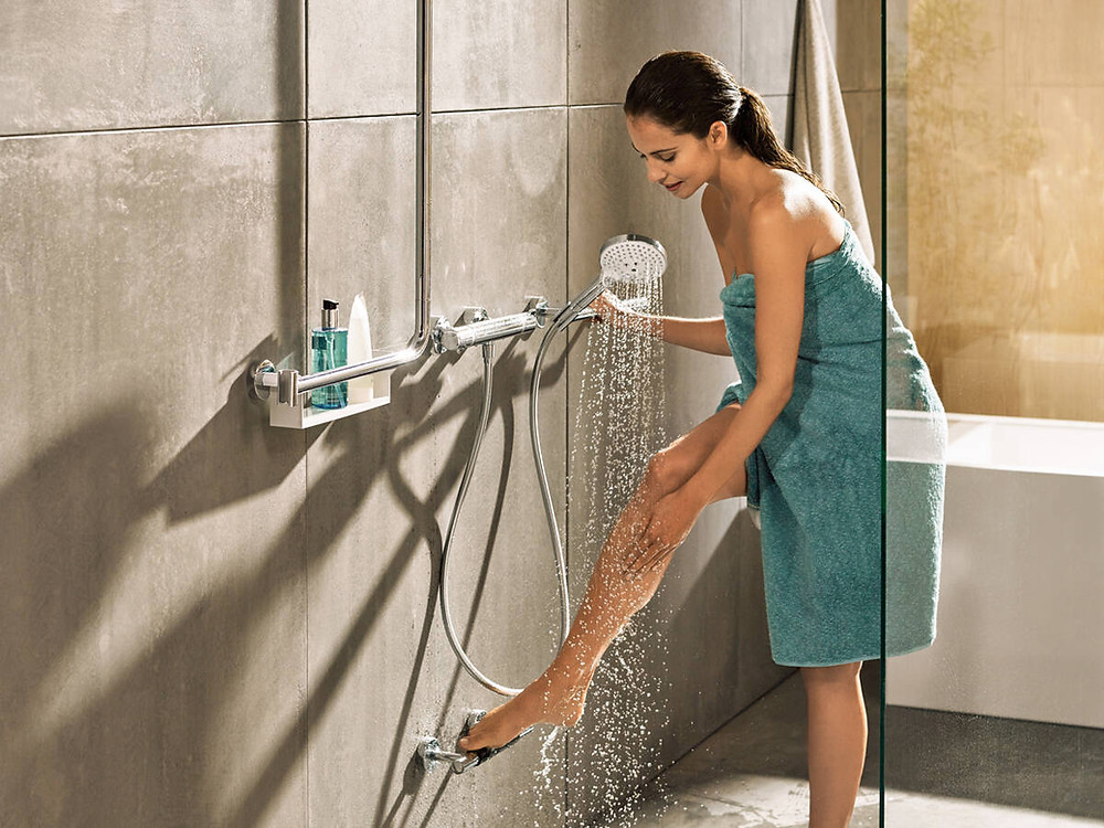 The Unica Comfort series guarantees more safety and stability in the shower